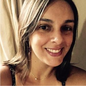Ana Claudia Valadares